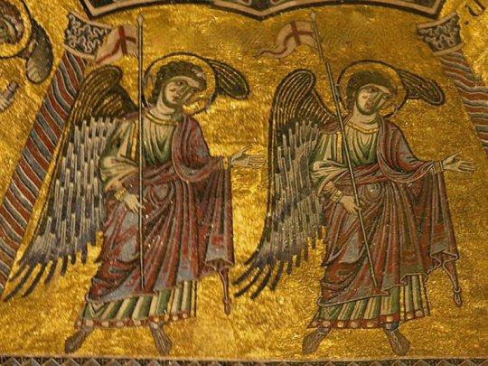 ანგელოზები ემსახურებიან მორწმუნეებს