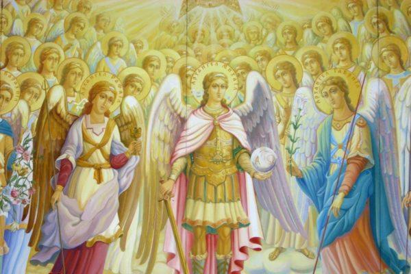 ანგელოზები შექმნილი არიან უნაკლონი, წმიდანი