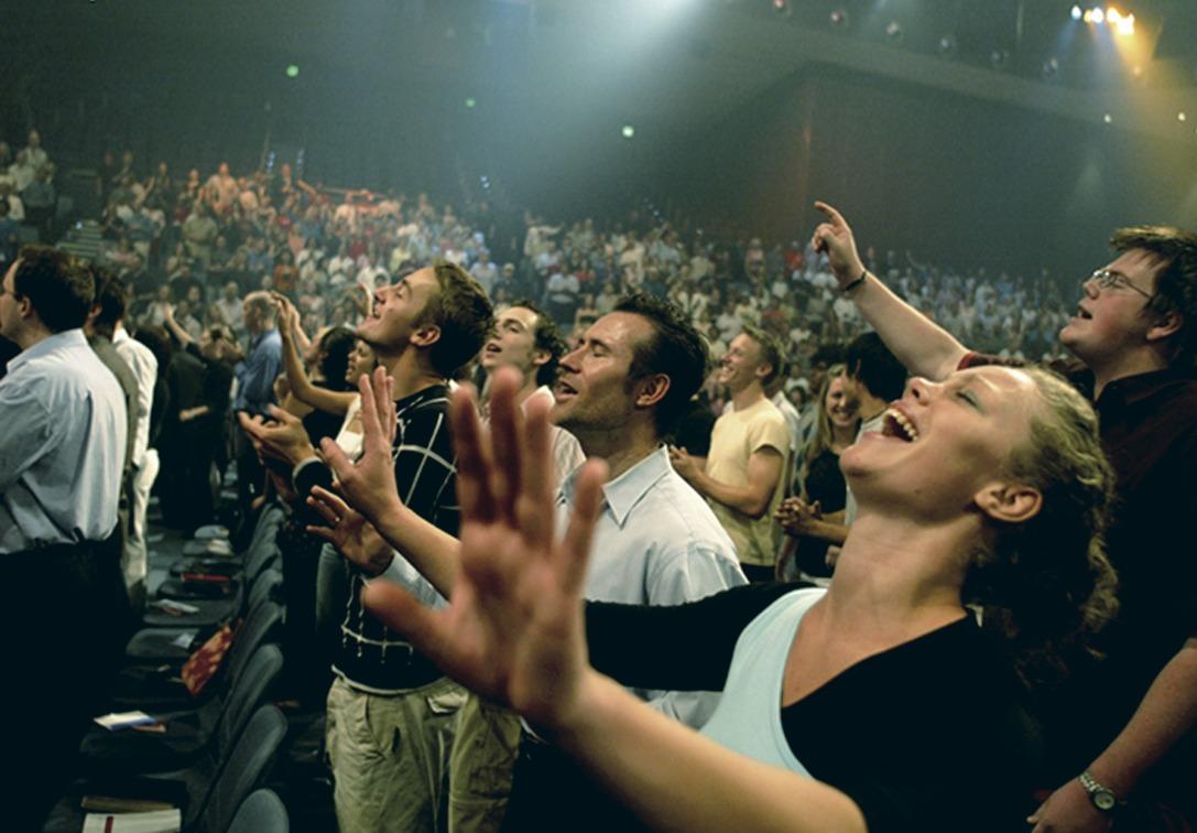 უცხოთა თანდასწრებით მოვერიდოთ ენებით ლოცვას